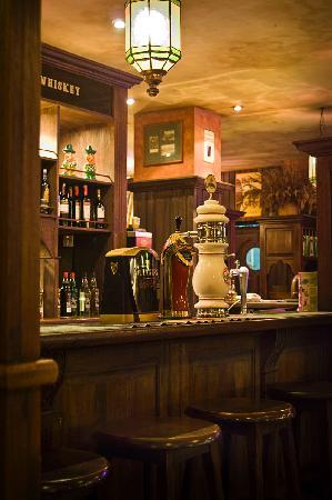 Bali Dynasty Resort : Gracie Kelly's Irish Pub