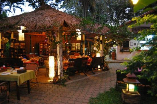 Secret Garden Chiang Mai: Relaxing Open Air Dining