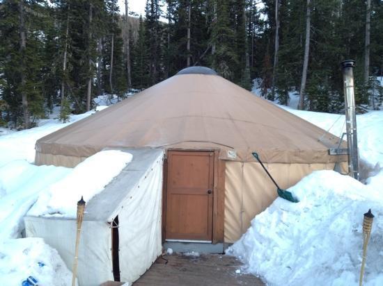 Montana Dinner Yurt: the yurt!