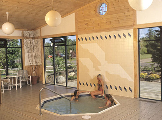 Aspen Inn: Giant whirlpool spa & sauna
