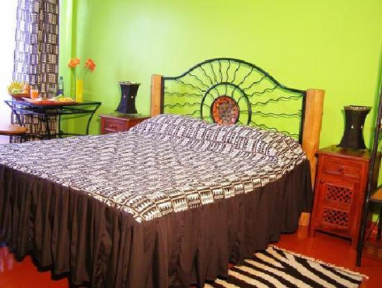 Khweza Bed & Breakfast: Executive room