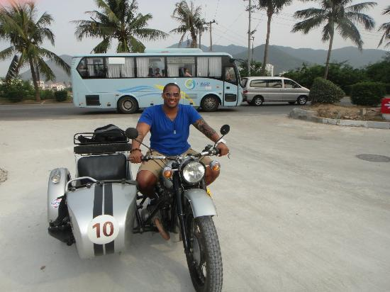 Sanya Sidecars: Sidecarin' in Sanya