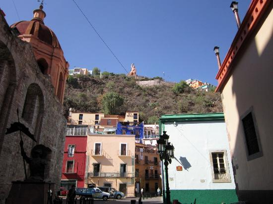 El Gallo Pitagorico: it's the blue building up the hill