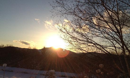 Davos Hill Resort: 部屋からの夕日
