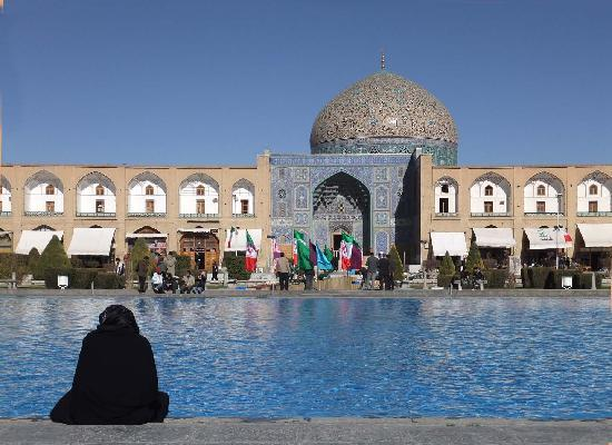 Imam Square and fountain (40429948)