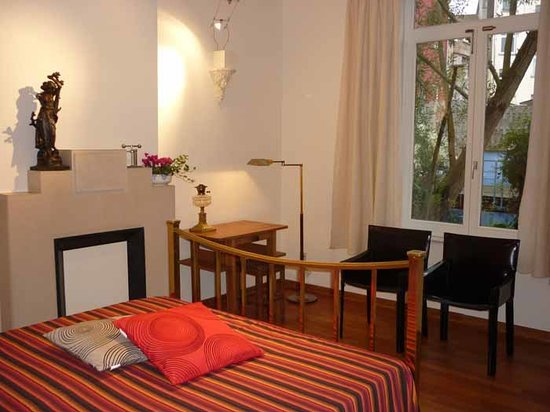 B3 GuestHouse - Bed Breakfast Brussels: B3 GuestHouse