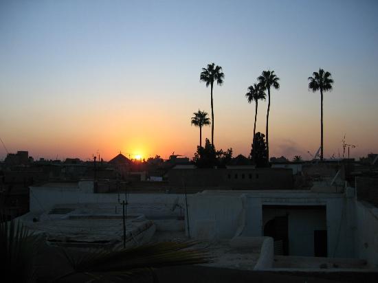 Riad Dar-K: crépuscule sur le toit