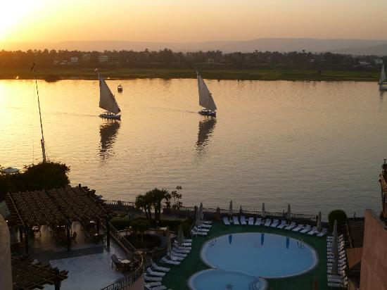 Lotus Luxor Hotel: almost sunset
