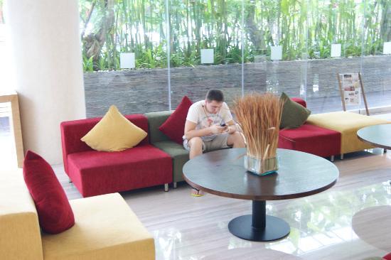 Mercure Bali Harvestland Kuta: Холл
