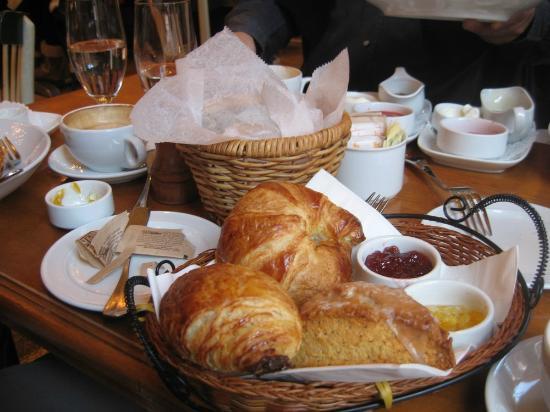 Nice-Matin : cornetti e profumatissima torta al limone