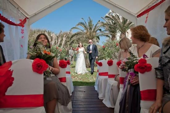 Alion Beach Hotel: Wedding ceremony (photographer Alex Vavinov)