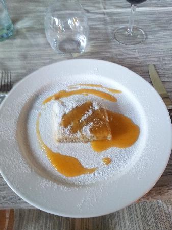 Ristorante Il Bacher: Strudel di Castagne e salsa di cachi