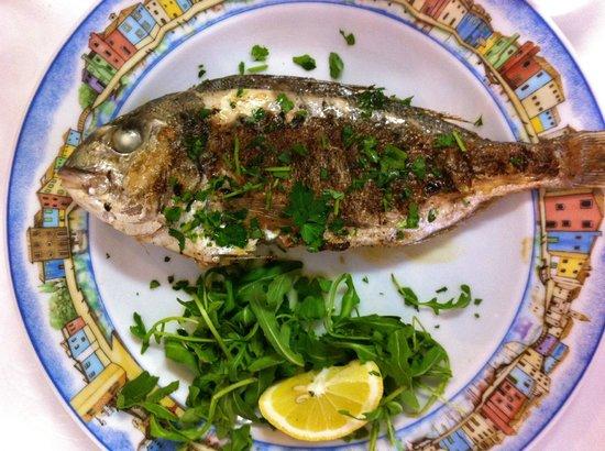 Al Gatto Nero Da Ruggero: Un bel pesce alla griglia