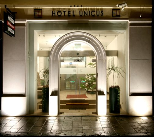 Hotel Unicus: Hotel entrance