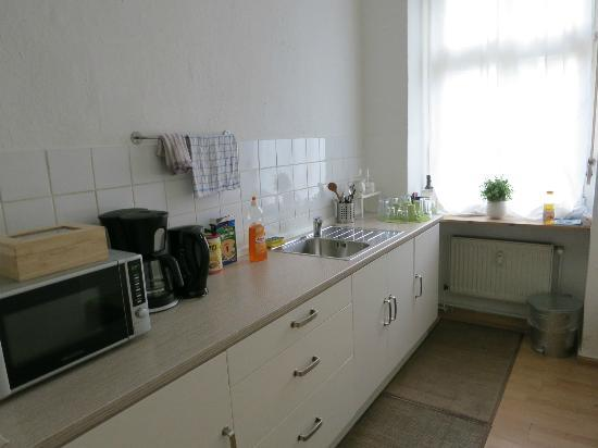 Pension Absolut Berlin : The shared kitchen