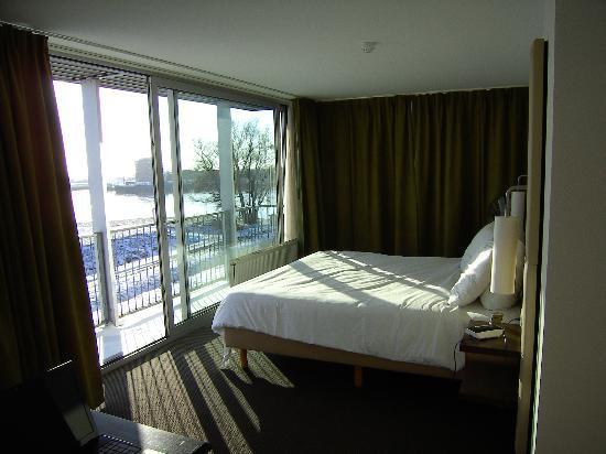 Van der Valk Hotel ARA: Bedroom