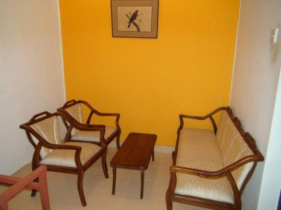 Double room (A/C) - Kithulgala Rest House - Mar, 2012