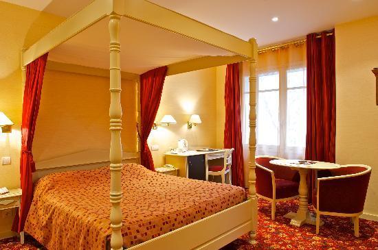 Hotel Roncevaux: CHAMBRE SUPERIEURE