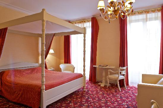 Hotel Roncevaux: CHAMBRE LUXE