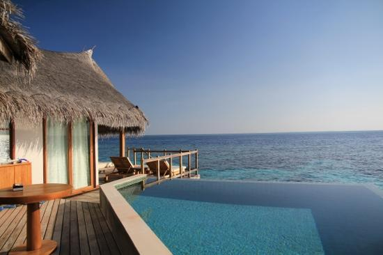 Jumeirah Vittaveli: water villa outdoor area
