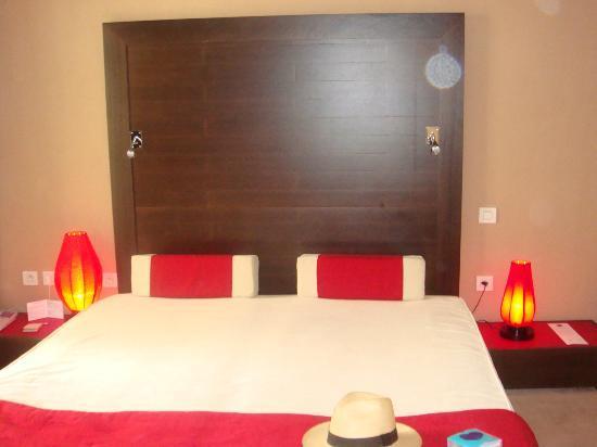 3.14 Hotel: Habitación en Asia