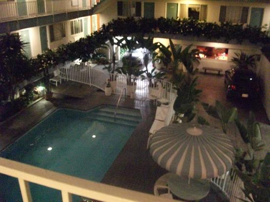 Beverly Laurel Motor Hotel: general view from 3rd floor