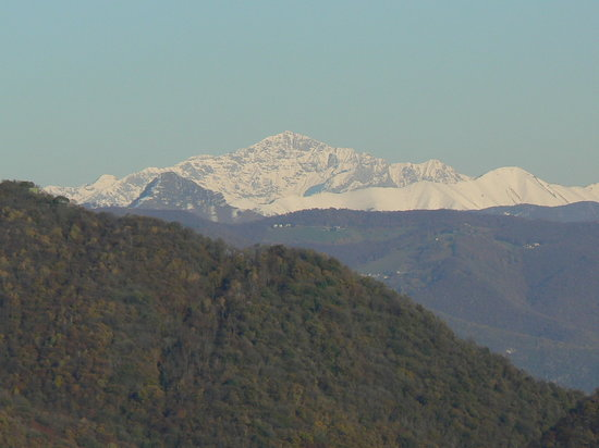 Varese, Italy: Una vista da un altro lato