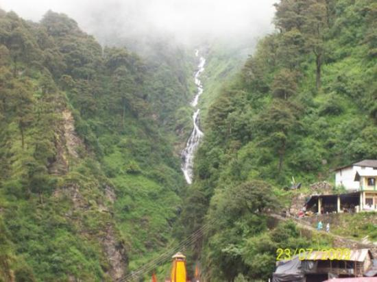 waterfall seen frm the yamunotri temple