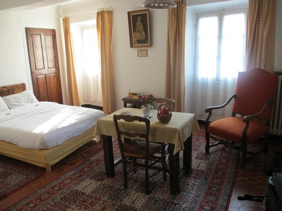 Auberge des Seigneurs et du Lion d'Or: Our lovely room on the top floor