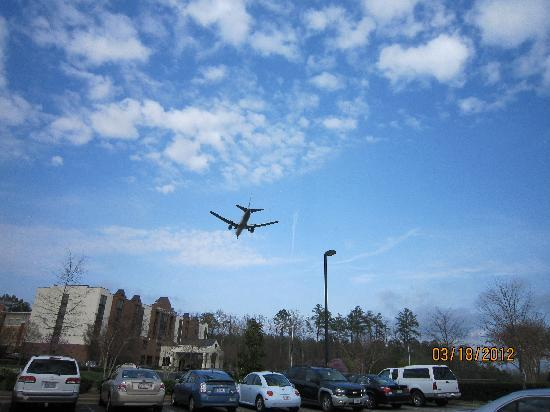Country Inn & Suites By Carlson, Raleigh-Durham Airport: Air Traffic