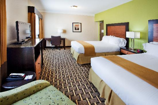 Holiday Inn Express & Suites Atlanta Downtown: Two Queen Beds