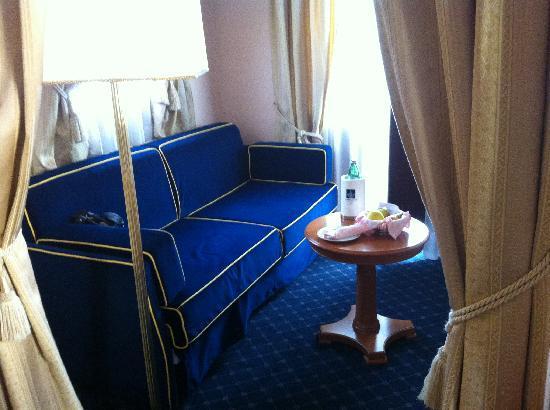 โรงแรมลาเรซิเดนซา: Sitting area