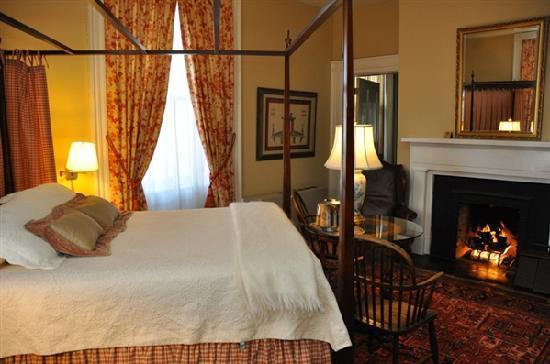 200 South Street Inn: Room 5