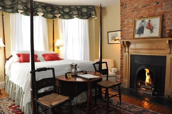200 South Street Inn: Suite 24