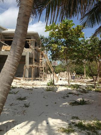 Grand Caribe Belize Resort and Condominiums: Check out the sign at this construction site-No