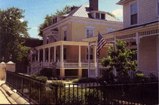 200 South Street Inn: Main House