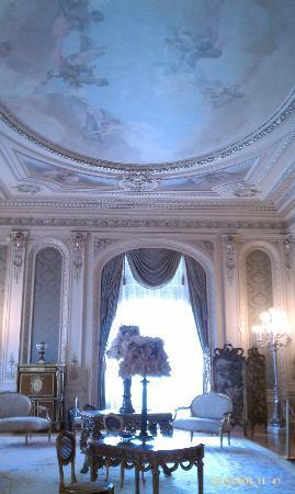 Henry Morrison Flagler Museum: sitting room