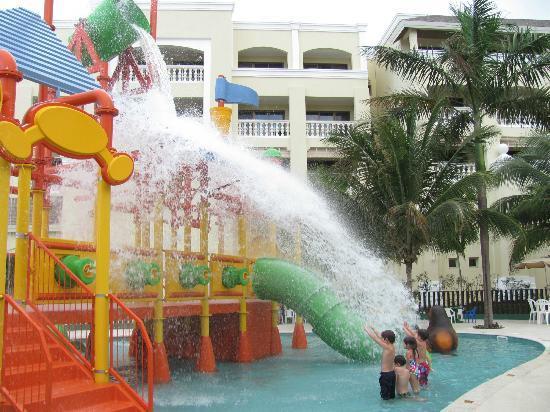 Iberostar Rose Hall Suites : Méga jeux d'eau neuf