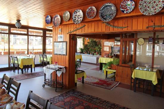 Side Hotel and Pension: Terrace - Breakfast area