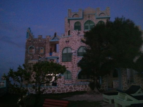 Blue Cave Castle: Castle at dusk!