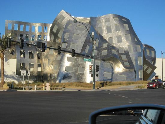 Las Vegas Premium Outlets - South: Closer look