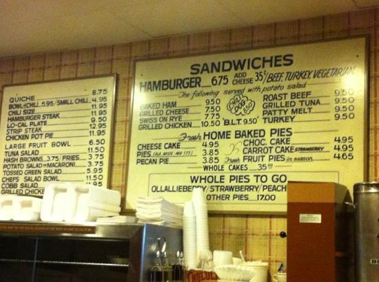 Pie n' Burger: wall menu