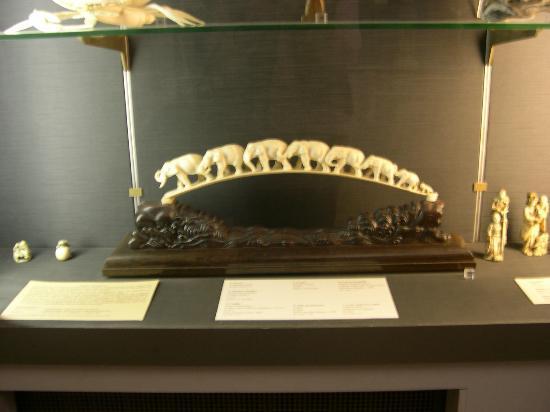 Château-Musée : Vitrine d'ivoires