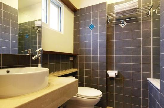 Hotel Golden Bay Kenting : 精緻兩人房浴室