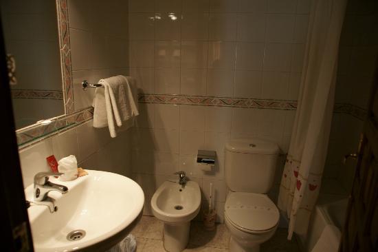 Hotel Arunda I: bagno