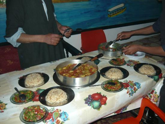 Bob Marley House Hostel: comida egipcia
