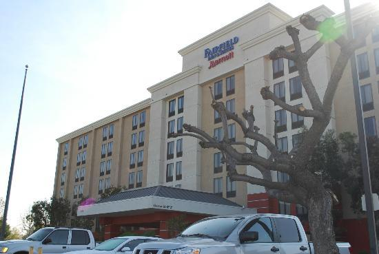 Fairfield Inn & Suites Anaheim North/Buena Park: Frente del hotel