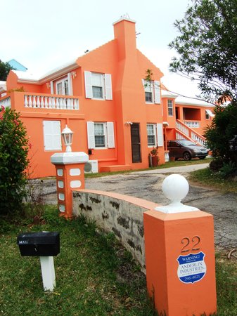 Smith's Parish, Bermuda: beautiful color