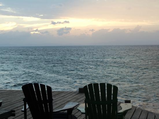 Coco Plum Island Resort: Nearly 360 deg. view of ocean
