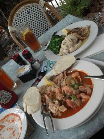 Dinner picture of red fish blue fish key west for Red fish blue fish key west
